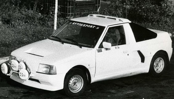 Автомобиль АЗЛК Москвич-2141КР.