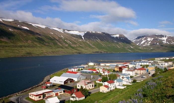 Исландия - 7-ое место по благотворительным пожертвованиям.