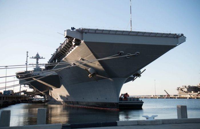 Самый большой авианосец в мире.