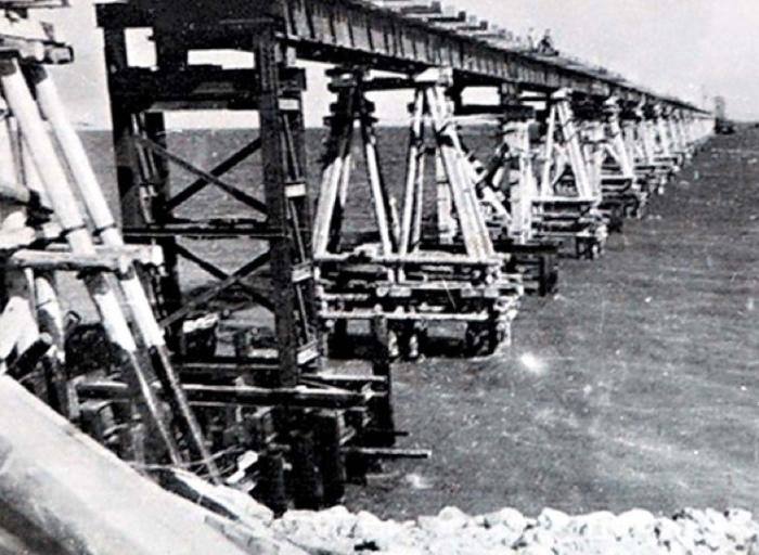 В итоге мост рухнул.