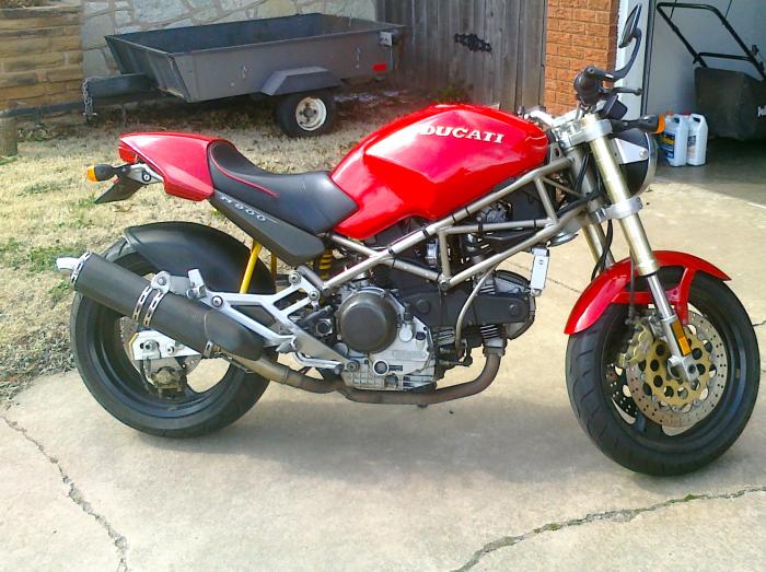 Ducati M900 Monster.