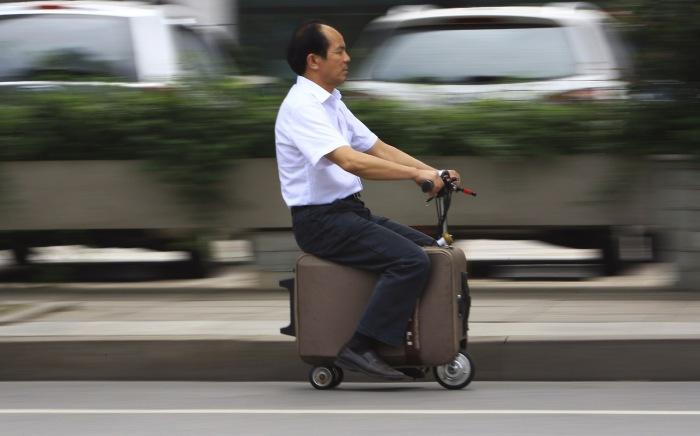 Моточемодан как альтернатива городскому транспорту.
