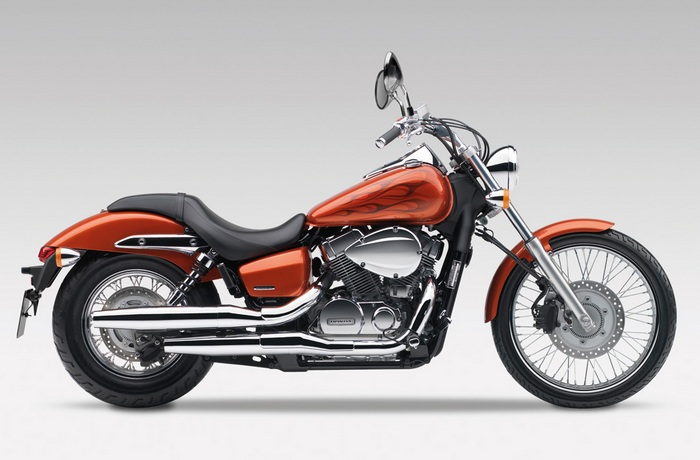 Мотоцикл Honda VT-750dc.