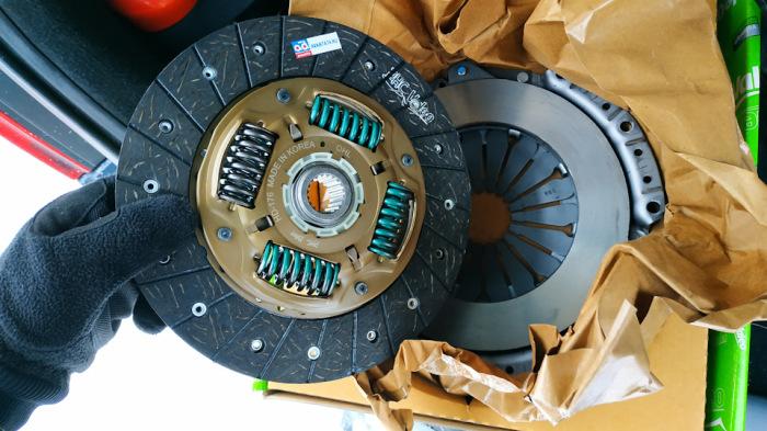 Буксующее сцепление - серьезная проблема. |Фото: drive2.com.