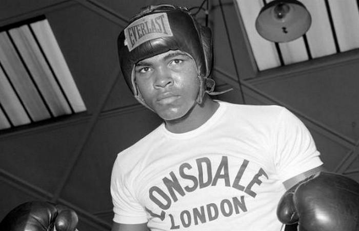 Али выиграл 100 из 108 боев.