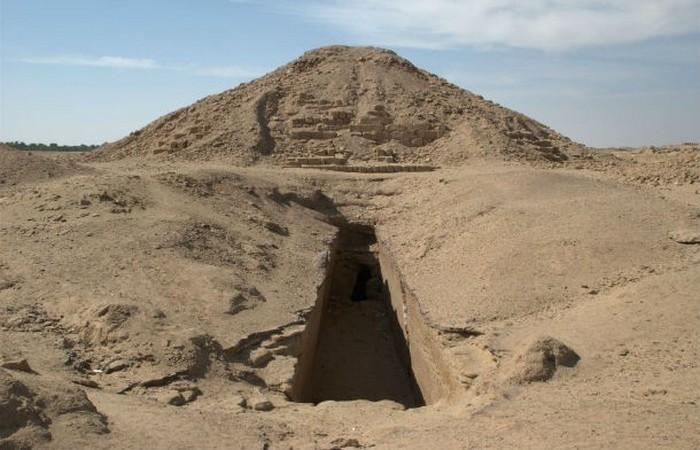 Древнеегипетские мифы не помогли.