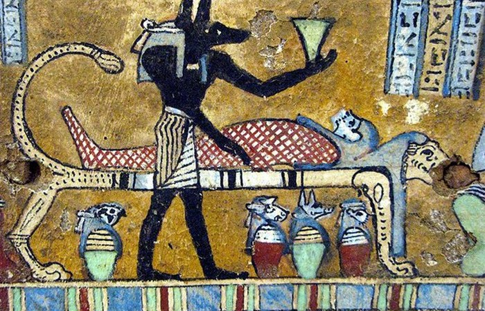 Червь в мумиях.