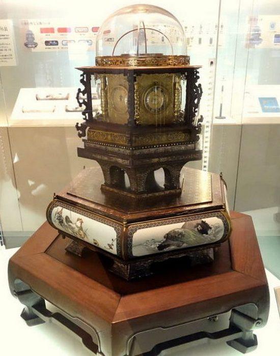 «Часы мириада лет» Танака Хисашиге в Национальном музее природы и науки, Токио.