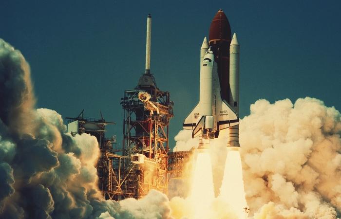 Старт Space Shuttle с мыса Канаверал.