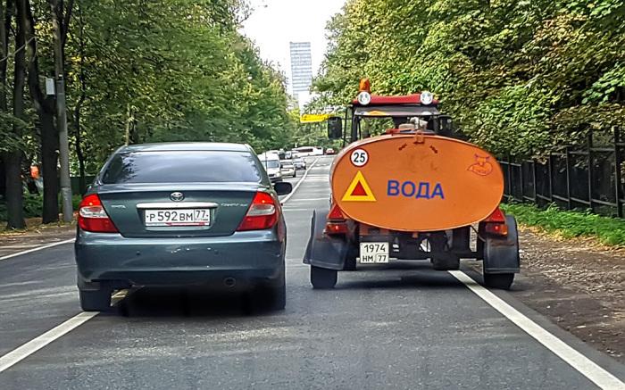 Тихоходом автобус не является.  Фото: info24car.ru.