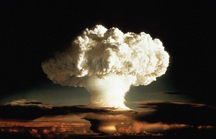 Совсем не мирный атом.
