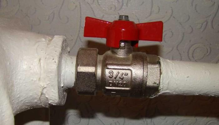 Нужно разобрать конструкцию.  Фото: tgorlovka.com.