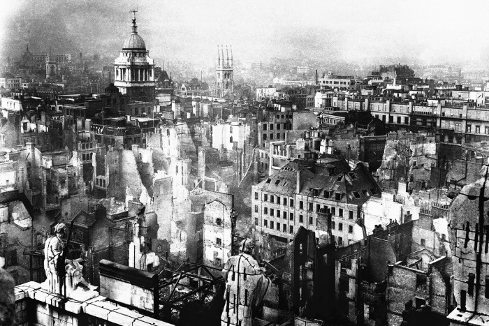 Лондон после бомбардировок. |Фото: fototelegraf.ru.