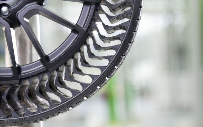 Такие шины нельзя проколоть. |Фото: news.yandex.fr.