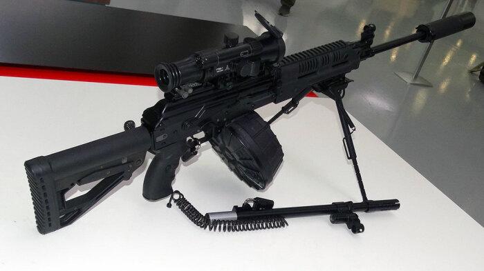 Новый автомат-пулемет. |Фото: voennoedelo.com.