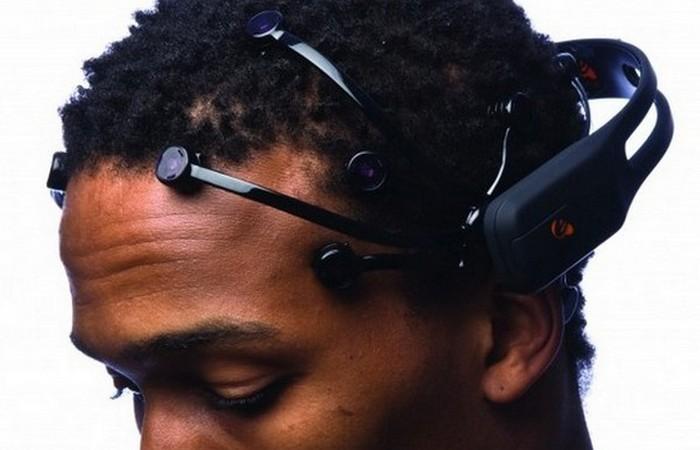 Интерфейс мозг-компьютер.