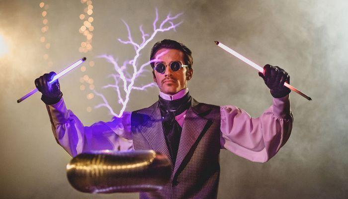Никола Тесла гордился тем, что хорошо одет.