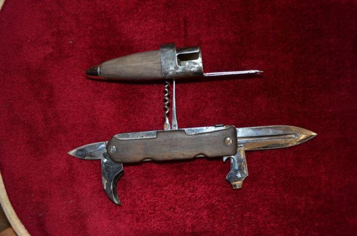 Ножны делались из дерева.