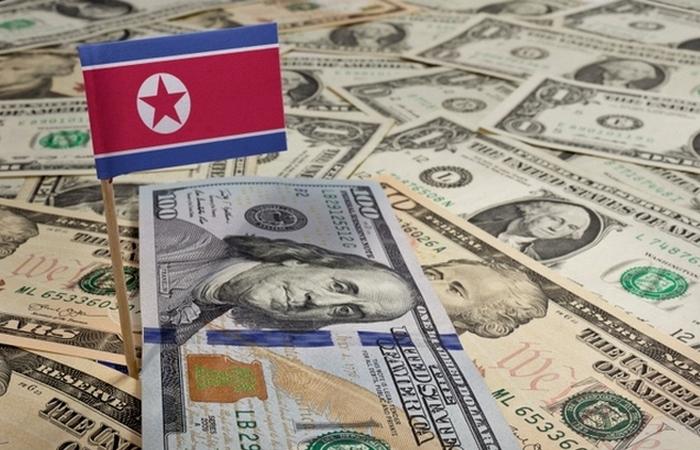 Поддельные деньги - борьба с империализмом, приносящая доход.