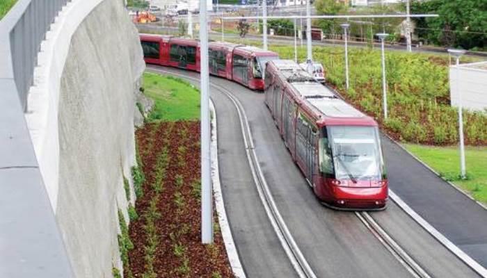 Трамваи с резиновыми колесами.