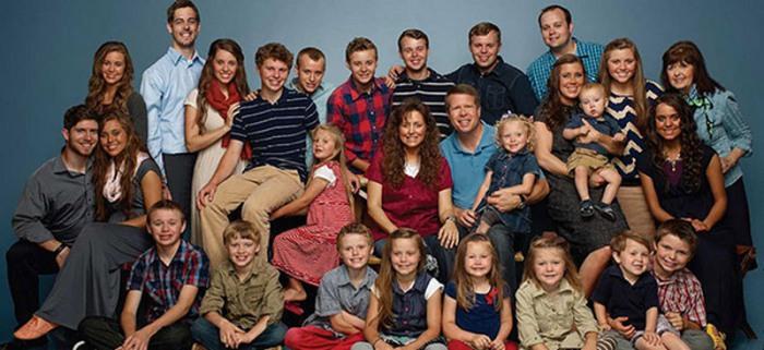 Многодетная семья, которая молилась в прямом эфире, чтобы страна не шла по пути зла.