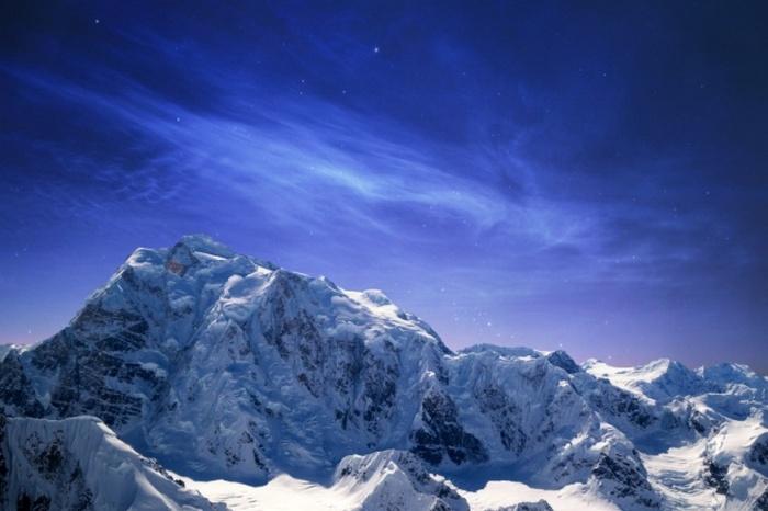 Таинственные, не покоренные до сих пор горы.