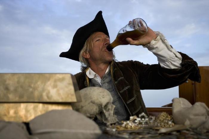 Частично вопрос решался алкоголем. |Фото: nalivochki.ru.