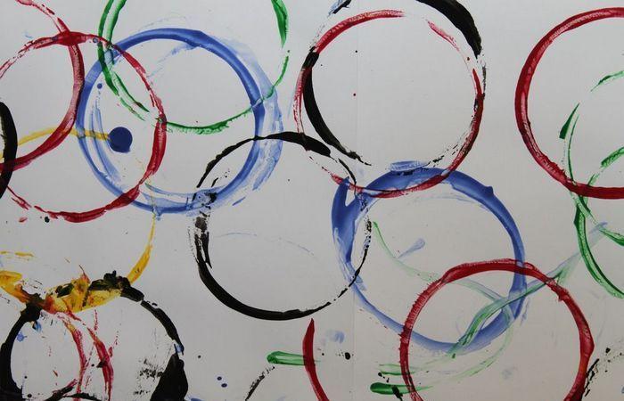 Первые олимпийские кольца появились в 1913 году.