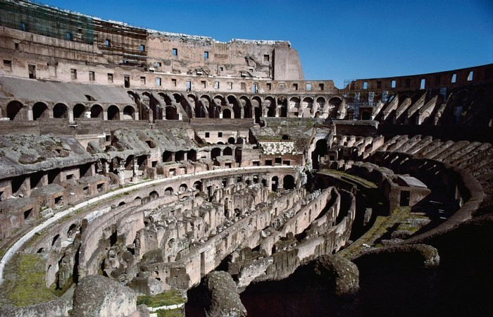Изначально Олимпийские игры проводились чтобы почтить Зевса.
