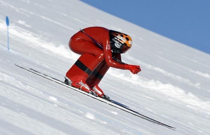 Устаревшая олимпийская дисциплина: скоростные лыжи.