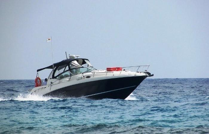 Устаревшая олимпийская дисциплина: гонки на моторных лодках.