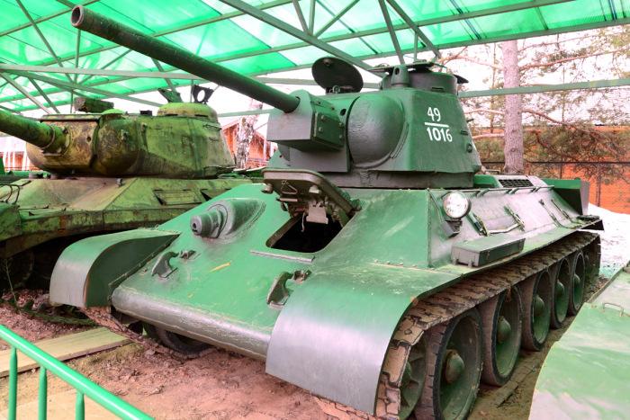 Огнеметные танки делали даже из Т-34. |Фото: kpopov.ru.