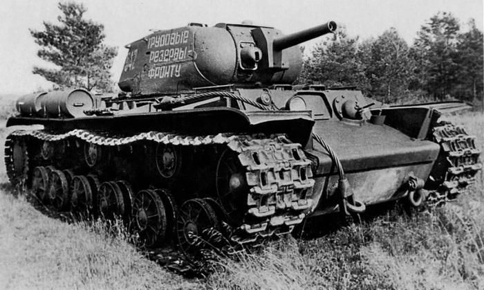 Огнеметный КВ. |Фото: war-book.ru.