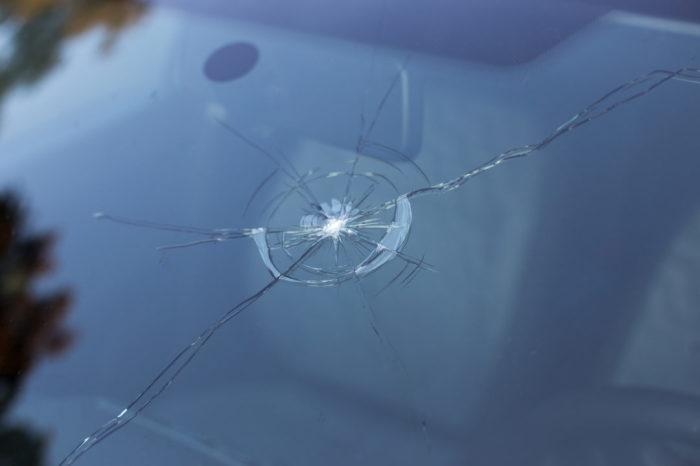 Любые сколы на стекле вредны. |Фото: art-glass.by.