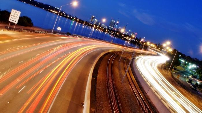 При какой скорости автомобиля расход горючего будет минимальным