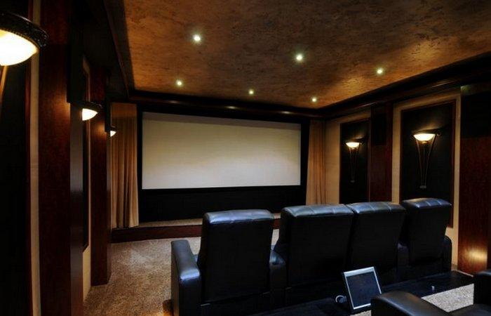 Просто роскошь: домашний кинотеатр.
