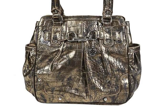 Странный аксессуар: сумки, накачанные ботоксом.