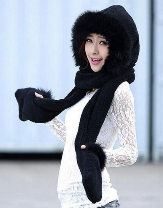 Странный аксессуар: шарф-перчатки.