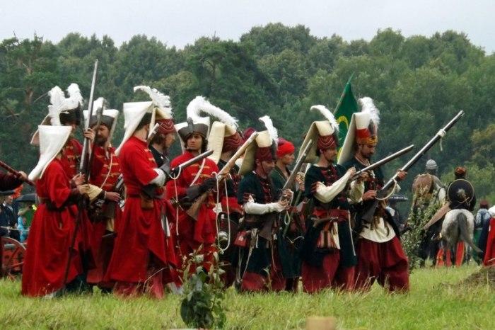 Янычары всегда были стрелками, а с XV века они превратились в аналог мушкетеров. |Фото: yandex.com.