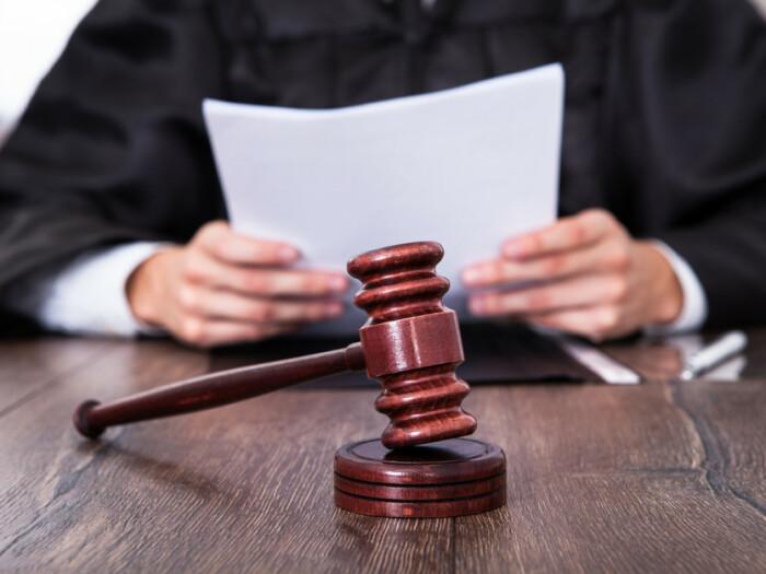 Чтобы не пришлось мучатся в суде, нужно все дважды проверить. |Фото: don24.ru.