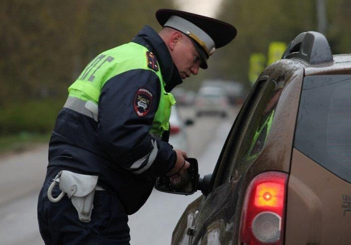Отвечать на все вопросы водитель не обязан. |Фото: rudorogi.ru.