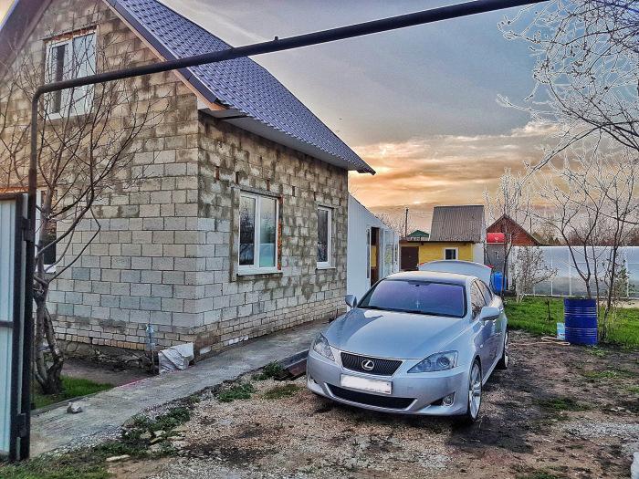 На даче без машины нельзя. |Фото: drive2.com.