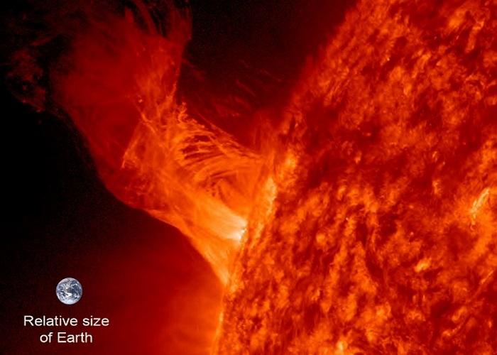 Внутри Солнца может поместиться один миллион Земель.