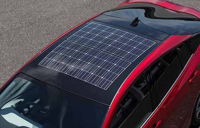Prius PHV с фотоэлектрической крышей.