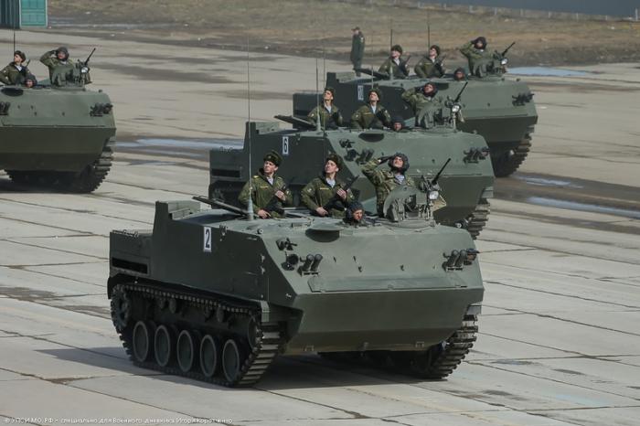 Бронированный автомобиль БТР-МДМ Ракушка.