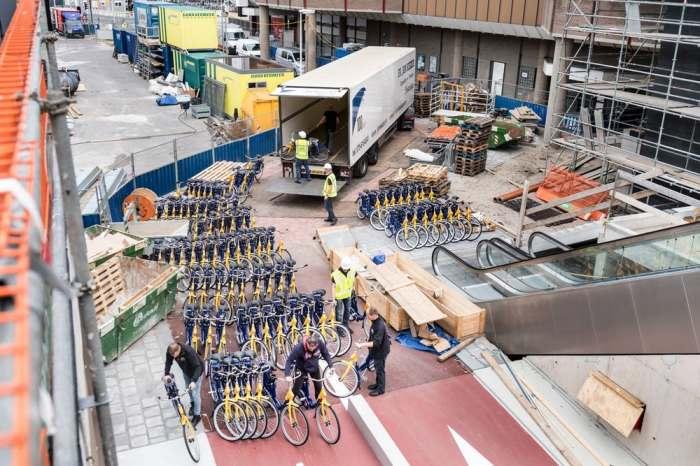 Более 10 тысяч велосипедов.