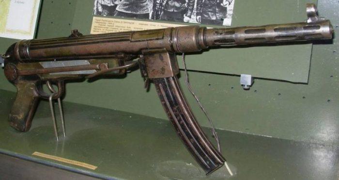 Партизанский ПП ТМ-44 объединил в себе черты отечественного и вражеского оружия.