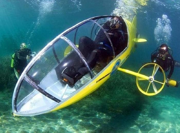 Педальная подводная лодка.