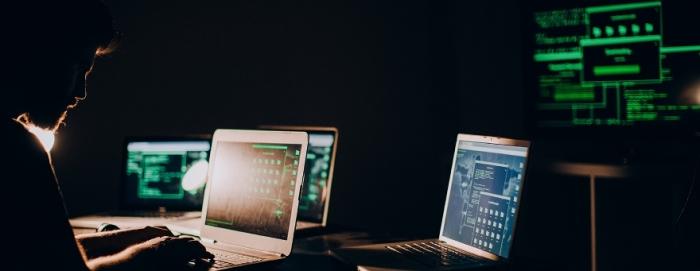 Русские и не только хакеры - страшнейшее оружие.
