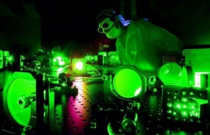 Чудеса физики: самый яркий свет.